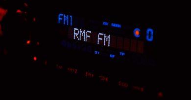 how bluetooth fm transmitter work