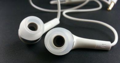 best wireless earbuds under 100